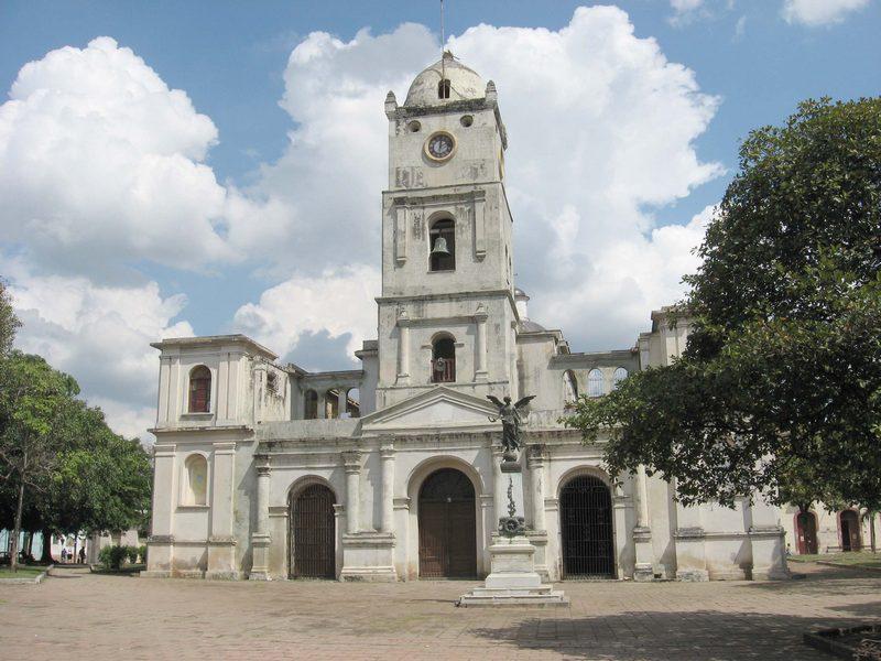 iglesia-san-jose-holguin-cuba2